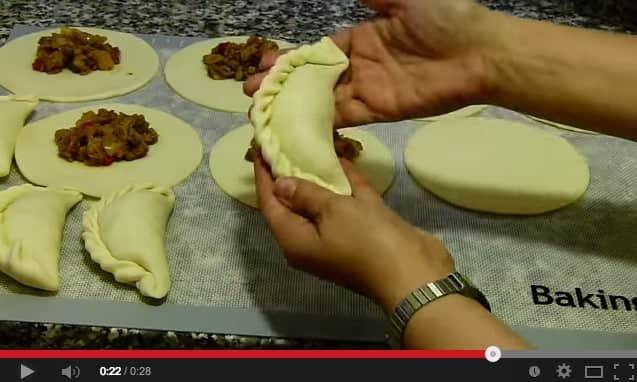 Como Hacer el Repulgue de Empanadas
